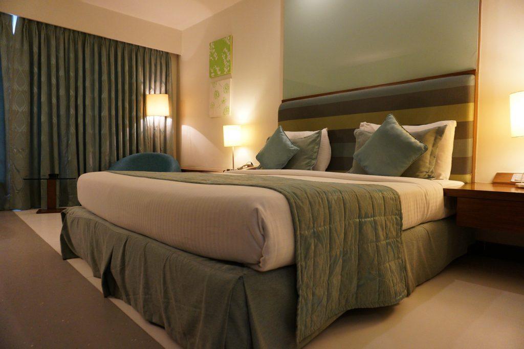 zielona sypialnia jak urzadzic1 1024x682